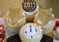New Year's Eve Cupcakes, Adorable.