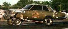 A/FX - Plymouth - The Golden Chariot 1965 Valiant 426 Hemi/Auto Owned ny Hans Anderson, North Jackson Ohio 9.170@155 Lebanon Valley 11/4/66