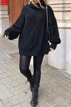 Trendy woman fall / winter fashion with a black sweater dress and .- Trendy women& fall / winter fashion with a black sweater dress and Doc Martens - Winter Fashion Outfits, Fall Winter Outfits, Look Fashion, Autumn Winter Fashion, Winter Clothes, Fur Fashion, Dress Winter, Fashion Mode, Woman Fashion