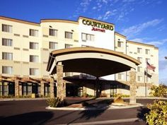 Grand Junction (CO) Courtyard Grand Junction United States, North America Located in Horizon, Courtyard Grand Junction is a perfect starting point from which to explore Grand Junction (CO). Offering a variety of facilities and services, the hotel provides all you need for a good night's sleep. Free Wi-Fi in all rooms, 24-hour front desk, facilities for disabled guests, restaurant, dry cleaning are just some of the facilities on offer. Designed for comfort, selected guestrooms ...