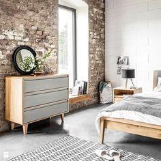 Styl rustykalny w sypialni? Dlaczego nie! :) Nam bardzo podoba się połączenie surowej podłogi, starych cegieł i ciepłego drewna. Foto: http://www.homebook.pl/inspiracje/sypialnia/361173_-sypialnia