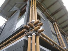 Image 2 of 33 from gallery of Energy Efficient Bamboo House / Studio Cardenas Conscious Design. Photograph by LIB – Longquan International Bamboo Commune Bamboo Architecture, Tropical Architecture, Sustainable Architecture, Architecture Details, Futuristic Architecture, House Architecture, Philippine Architecture, Bamboo Roof, Bamboo Art