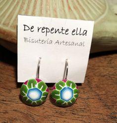Pendientes realizados a mano con arcilla polimérica por Angela Morales. Sígueme en http://www.derepenteella.blogspot.com.es y consulta los precios en mi tienda online.
