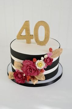 Trendy Birthday Decorations For Women 40th Birthday Cakes, Birthday Brunch, Brunch Party, 40th Birthday Parties, 40th Birthday Cake For Women, 40 Birthday, Striped Cake, Cakes For Women, Party Desserts