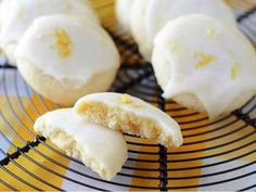 Meltaway Lemon Cookies These zesty lemon cookies are tart and lightly sweet and just melt in your mouth. Our buttery Meltaway Lemon Cookies have a soft center and are topped with a lemon sugar glaze. Cookie Desserts, Cookie Bars, Just Desserts, Cookie Recipes, Delicious Desserts, Dessert Recipes, Yummy Food, Cookie Tin, Lemon Desserts