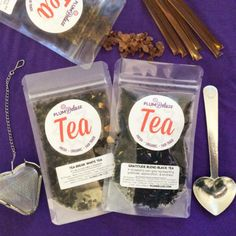 Get started with loose leaf tea with this loose tea kit. Our loose leaf tea starter kit has everything you need to start enjoying loose tea. Chai Overnight Oats, Melon Tea, Tea Gift Baskets, Tummy Tea, Honey Sticks, Tea Cookies, Tea Packaging, Ginger Tea, Tea Gifts