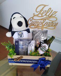 Gift Baskets For Him, Food Gift Baskets, Diy Food Gifts, Bf Gifts, Man Birthday, Happy Birthday, Birthday Breakfast, Ideas Para Fiestas, Happy Day