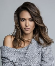 Jessica Alba's Top Pregnancy Beauty Tips Jessica Alba Style, Jessica Alba Hot, Beauty Routine 20s, Skincare Routine, Jessica Alba Pictures, Hispanic Women, Actress Jessica, Pregnancy Looks, Fit Pregnancy
