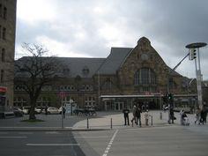 Aachen Hauptbahnhof Germany Wonderful Places, Louvre, Germany, Street View, Building, Travel, Central Station, Viajes, Buildings
