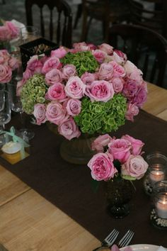 ♥ pink garden rose centerpiece in footed urn (JCF Events)