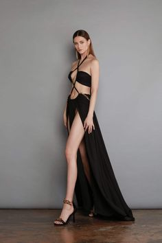 Women's Fashion Dresses, Sexy Dresses, Nice Dresses, Wearing Dresses, Catwalk Fashion, Vogue Fashion, Beautiful Gowns, Beautiful Outfits, Beautiful Clothes