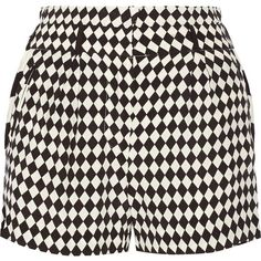 Fair Exchange printed crepe shorts (710 GTQ) ❤ liked on Polyvore featuring shorts, bottoms, short and short shorts