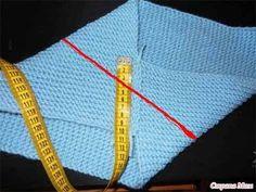 Интересная идея для вязания манишки. А главное, предельно простая, за счет чего ее можно связать как спицами, так и крючком. В крайнем случае, выкроить из старого свитера и обработать края. Сначала н…