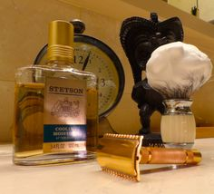 Gillette NEW open-comb safety razor, Frank Shaving finest badger brush, Stetson Cooling Moisture aftershave, tiki