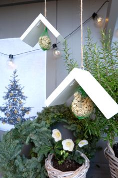 Vogelhäuschen DIY Weihnachten Geschenk 5 You are in the right place about DIY Fairy Garden waterfall Here we offer you the most beautiful pictures about the DIY Fairy Garden bench you are looking for. Christmas Garden, Winter Garden, Diy Christmas Gifts, Flores Diy, Diy Cadeau Noel, Diy Pinterest, Diy Bird Feeder, Bird Houses Diy, Navidad Diy
