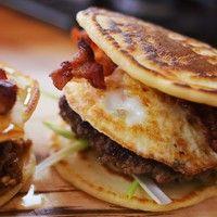 Hamburgert reggelire? Simán!