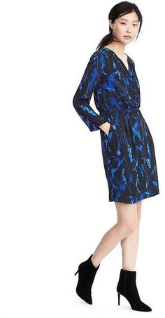 Long-Sleeve Watercolor Print Wrap Dress in Navy/blues Happy Hour Outfit, Professional Wardrobe, Outfits 2016, Faux Wrap Dress, Modern Outfits, Elegant Dresses, Dresses For Work, Women's Dresses, Print Wrap