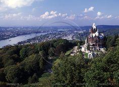 Koenigswinter, Rhein-Sieg-Kreis, Middle Rhine, overlooking Drachenburg overlooking the Rhine, the city and countryside.   ... Holger Klaes Photojournalist