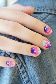 Can you guess what middle school staple inspired this nail DIY. Yeah, it's pretty obvious. Lisa Frank!