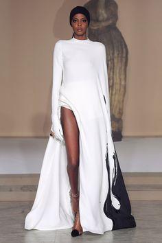 6760fa836bfdd Stephane Rolland Couture Spring 2019  PHOTOS  – WWD Minimal Fashion