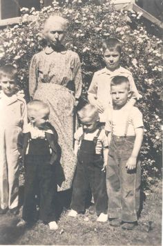 Crabtree  in Seneca  Roark Family http://www.hometowngenealogy.com/id10.html Wilson family http://genforum.genealogy.com/mo/newton/ http://freepages.genealogy.rootsweb.ancestry.com/~oldpeoplegrandkids/cgm190.htm