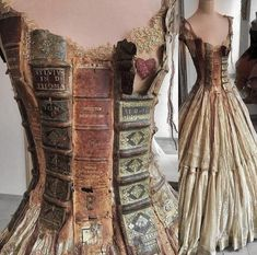 Is this not the most beautifully crafted dress you've ever seen? Dress by french artist Sylvie Facon Additional credit: Morgane E. Sculpture Textile, Fantasy Dress, Fashion Art, Fashion Design, Facon, Looks Cool, Steampunk Fashion, Mannequin, Dream Dress