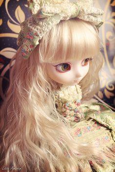 Bella [Pullip Tiphona] by Lissa Amorim ♥, via Flickr