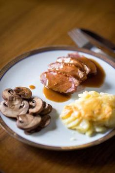 Magret De Canard Met Champignons En Aardappelgratin Recept Voedsel Ideeen Belgische Recepten Eten