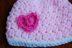 Free Pattern. Knit Valentines hat for girls.