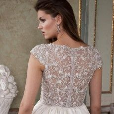 Rush for one of the well-known bridal boutiques in San Diego, Hctb.net and buy eye- catching Justin Alexander wedding dresses with complete assistance.