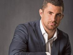 Meet rugby star Rob Kearney at Newbridge Silverware Pretty Men, Gorgeous Men, Leinster Rugby, Irish Rugby, Charming Man, Rugby Players, Cute Guys, Mens Fitness, Future Husband