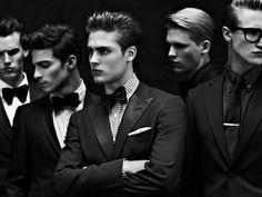 The Dapper Gentleman Poses, Beautiful Men, Beautiful People, Online Shops, Raining Men, Photo Instagram, Gentleman Style, Mannequins, Well Dressed