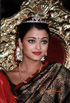 aishwarya_rai_wearing_diamond_crown