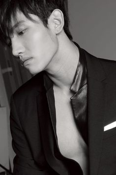Tvxq Changmin, Jung Yunho, Chang Min, Jaejoong, Asian Actors, Man In Love, Asian Men, Korean Singer, Find Image