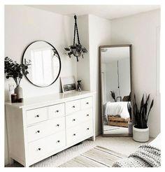 Room Ideas Bedroom, Small Room Bedroom, Home Decor Bedroom, Bedroom Furniture, Mirror In Bedroom, Couple Bedroom Decor, Bedroom Decorating Ideas, Master Bedroom, Furniture Ideas