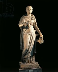 Italy, Sicily, Taormina, Statue representing an Isis priestess, marble, 2nd Century B.C., Italy, Sicily, Palermo, Museo Archeologico Regionale (Archaeological Museum), Roman art