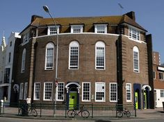 Journeys Brighton Hostel in Brighton England offers affordable dorm rooms for budget travellers