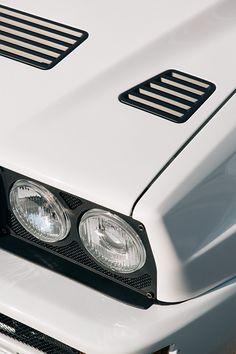 Lancia Delta HF Integrale Martini 5