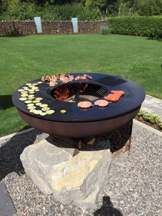 Fire Pit Bbq, Fire Pit Area, Fire Pit Backyard, Fire Pits, Outdoor Firewood Rack, Barbecue Design, Fire Pit Designs, Outdoor Gardens, Outdoor Decor