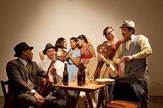"""""""Os Boêmios de Adoniran"""" tem exibição às sextas e sábados, às 21h, e aos domingos, às 19h, e traz a boemia paulistana dos tempos de outrora para o palco do Teatro Alfredo Mesquita. A peça fica em cartaz até 21 de outubro."""