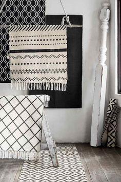 Tapis en coton | H&M Tapis Seuil de porte ou sous la table de salle à manger style aztèque noir et blanc.