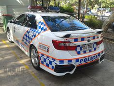 https://flic.kr/p/nucYmg | Queensland Police General Duties Toyota Aurion | Shown is a Queensland Police General Duties Toyota Aurion with an LED Code 3 MX7000 lightbar at the Noosa Heads Police Beat on the Sunshine Coast.