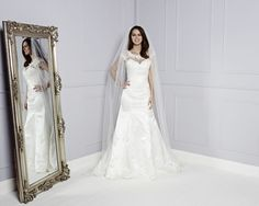 How to choose the right wedding dress for your shape - Amari