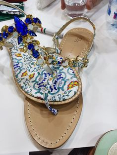 Super excited to soon present our custom made capri sandals in both our online and upcoming Zurich retail store! Available in may 2019 - 7 limited styles! Tap to register for our exclusive pre-shopping-event! Public Store, Positano, Palm Beach Sandals, Super Excited, Zurich, Spring Flowers, Summer Collection, Capri, Spring Summer