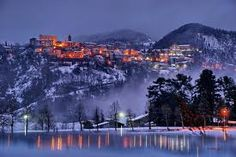 Winter Wonderland: snowy winter scenes of Christmas time. Places In Italy, Places To See, Beautiful World, Beautiful Places, Amazing Places, Christmas Town, White Christmas, Winter Magic, Winter Snow