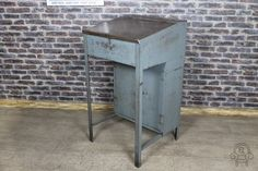 vintage industrial meet and greet style table, ideal for bars, restaurants, nightclubs, etc.