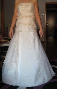 ¡Nuevo vestido publicado!  Sposabella – T38 ¡por sólo 195€! ¡Ahorra un 68%!   http://www.weddalia.com/es/tienda-vender-vestido-novia/sposabella-t38/ #VestidosDeNovia vía www.weddalia.com/es