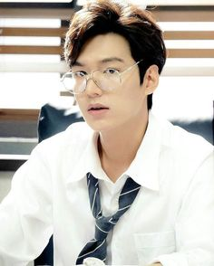 The Legend of the Blue Sea Lee Min Ho I am so~ excited to watch this! Legend Of The Blue Sea Kdrama, Legend Of Blue Sea, New Actors, Actors & Actresses, Asian Actors, Korean Actors, Heo Joon Jae, Ji Hoo, Lee Min Ho Photos