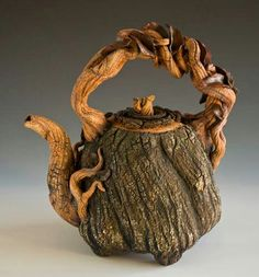 Twisted tree pot