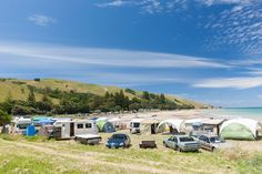 If you're traveling around New Zealand with a tent, caravan, or campervan, this is what you need to know about your rights and responsibilities. Camping New Zealand, New Zealand Travel, Liverpool Wallpapers, Rights And Responsibilities, New Zealand North, Holiday Park, Travel Bugs, Travel Advice, Travel Ideas
